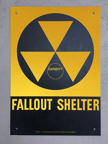 360px-United_States_of_America_Fallout_shelter_sign